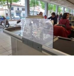 Plexiglass protective screen